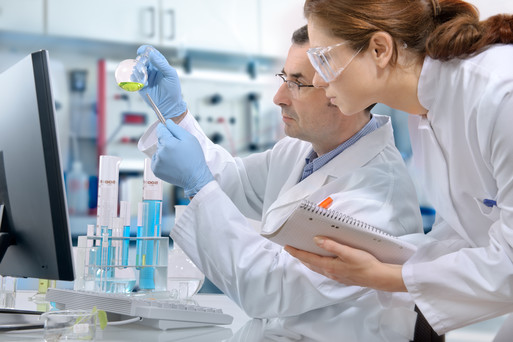 klinikai kutatás az emberekre